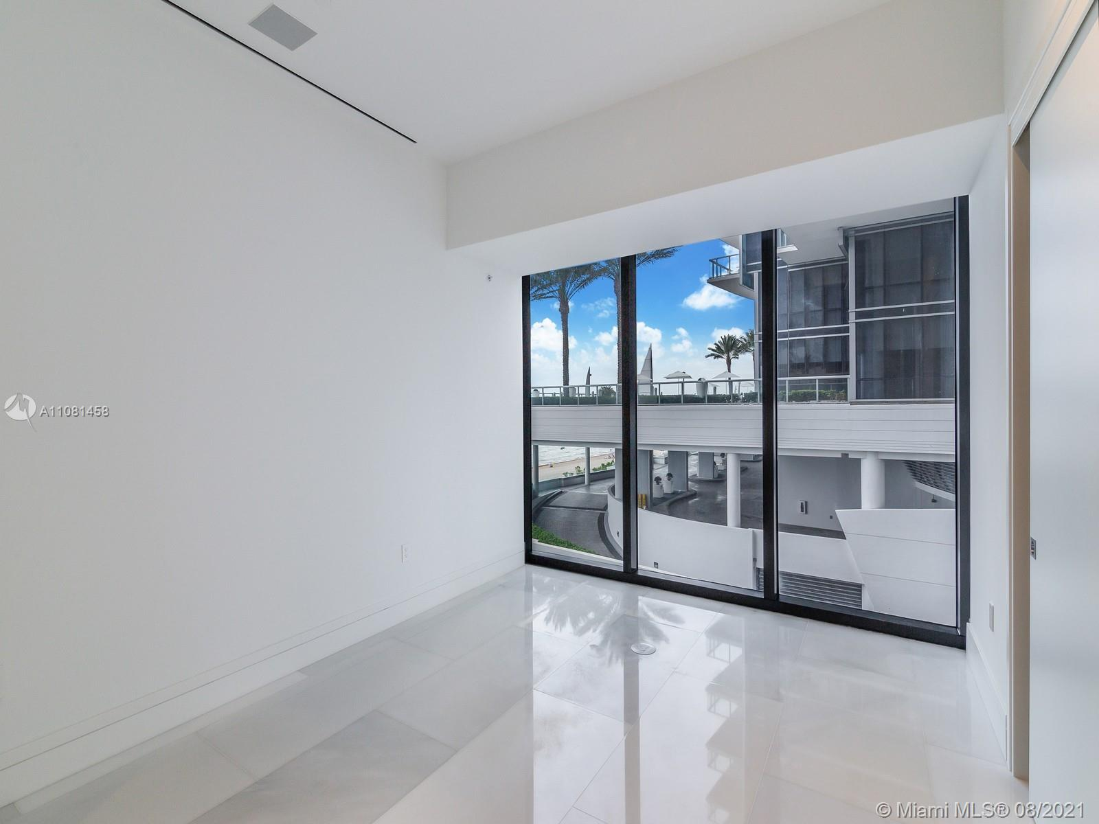 17141 Collins Ave #401 photo012