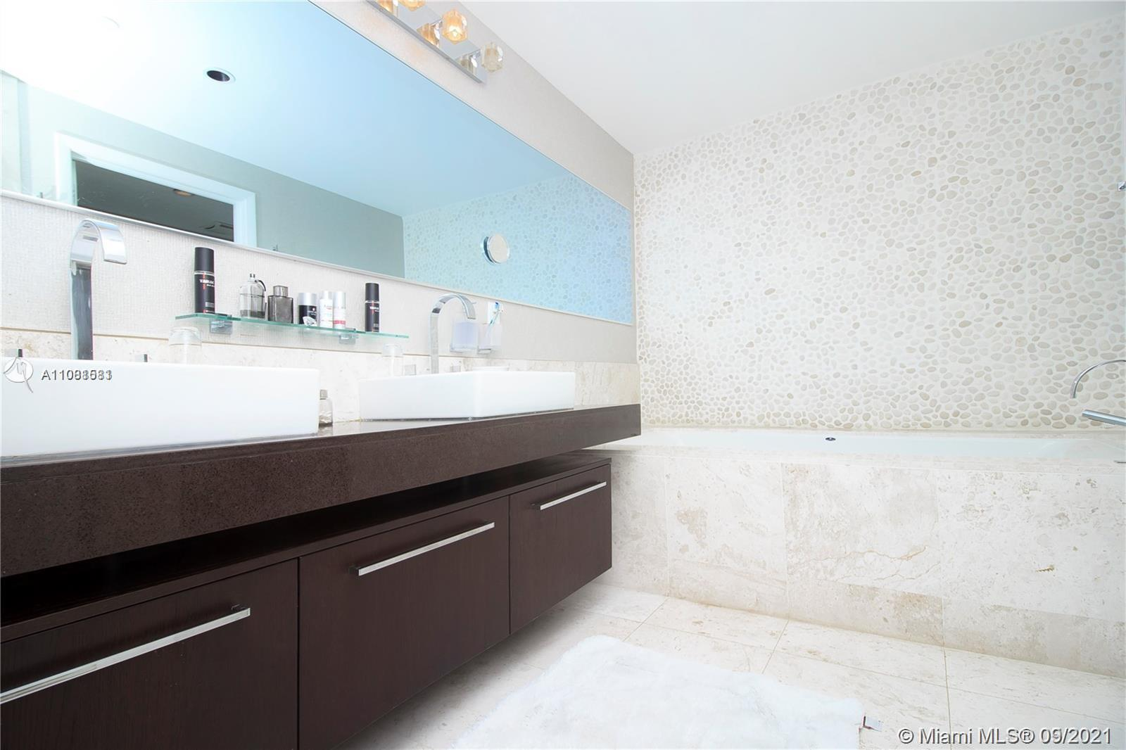 17121 Collins Ave #3505 photo09
