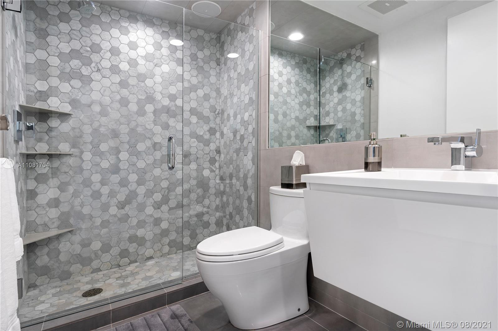 3801 Collins Ave #1204 photo016