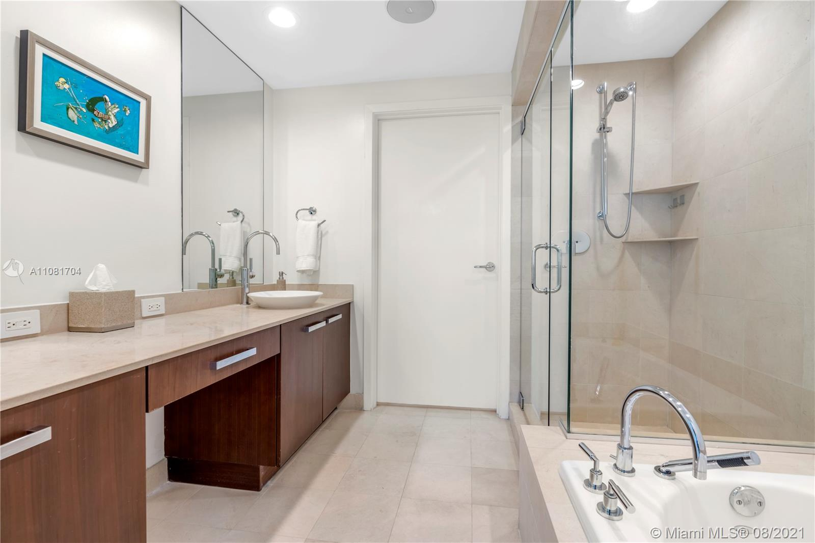 3801 Collins Ave #1204 photo012