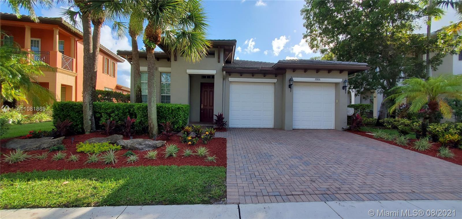 Property for sale at 10806 NW 80th Cir, Parkland,  Florida 33076