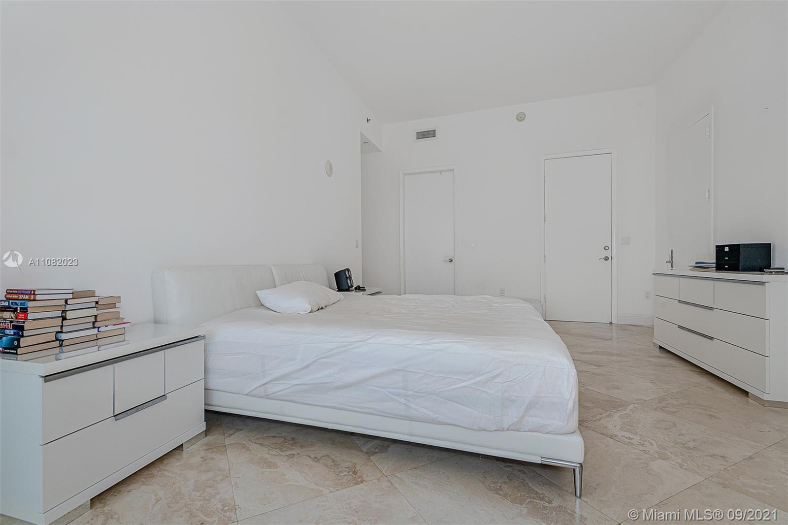 15901 Collins Ave #3205 photo023