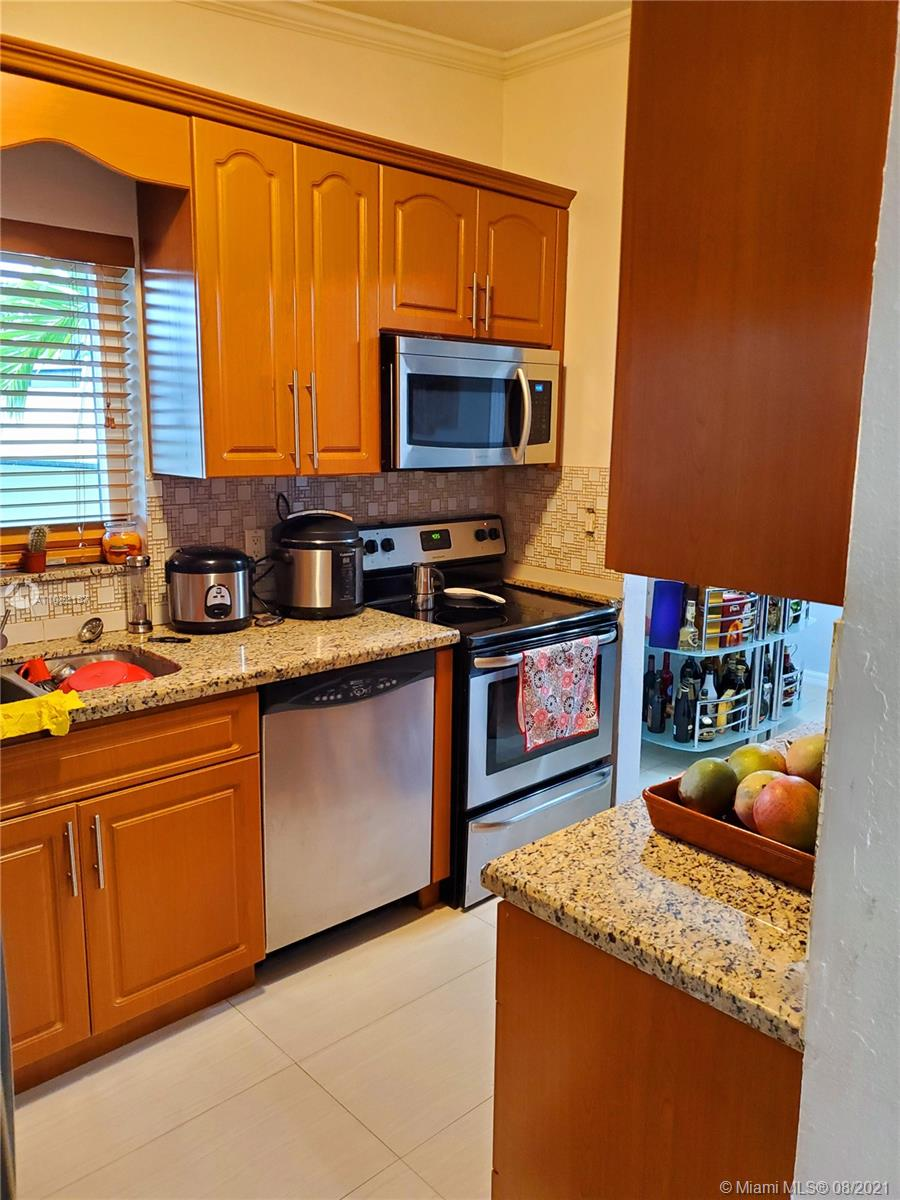 11060 SW 51st Ter photo011