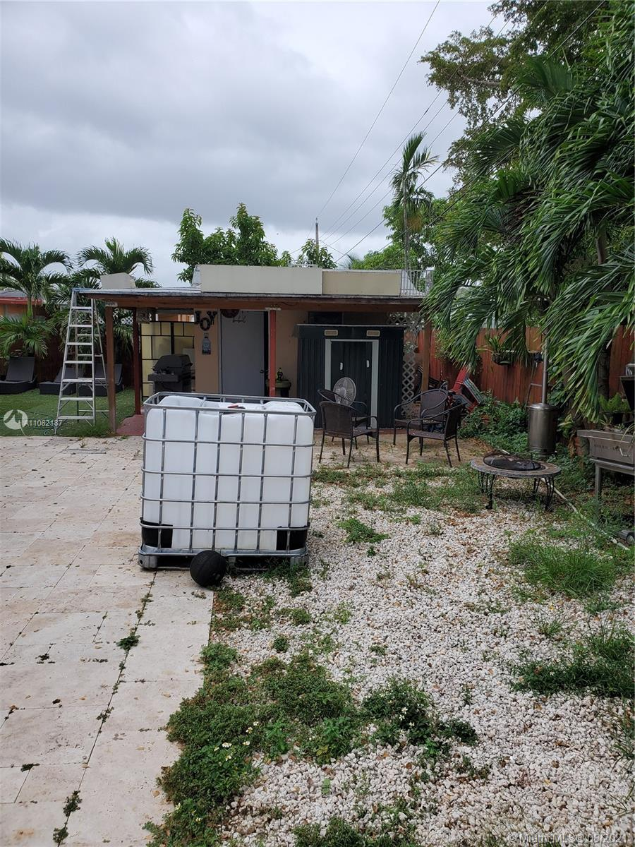 11060 SW 51st Ter photo019