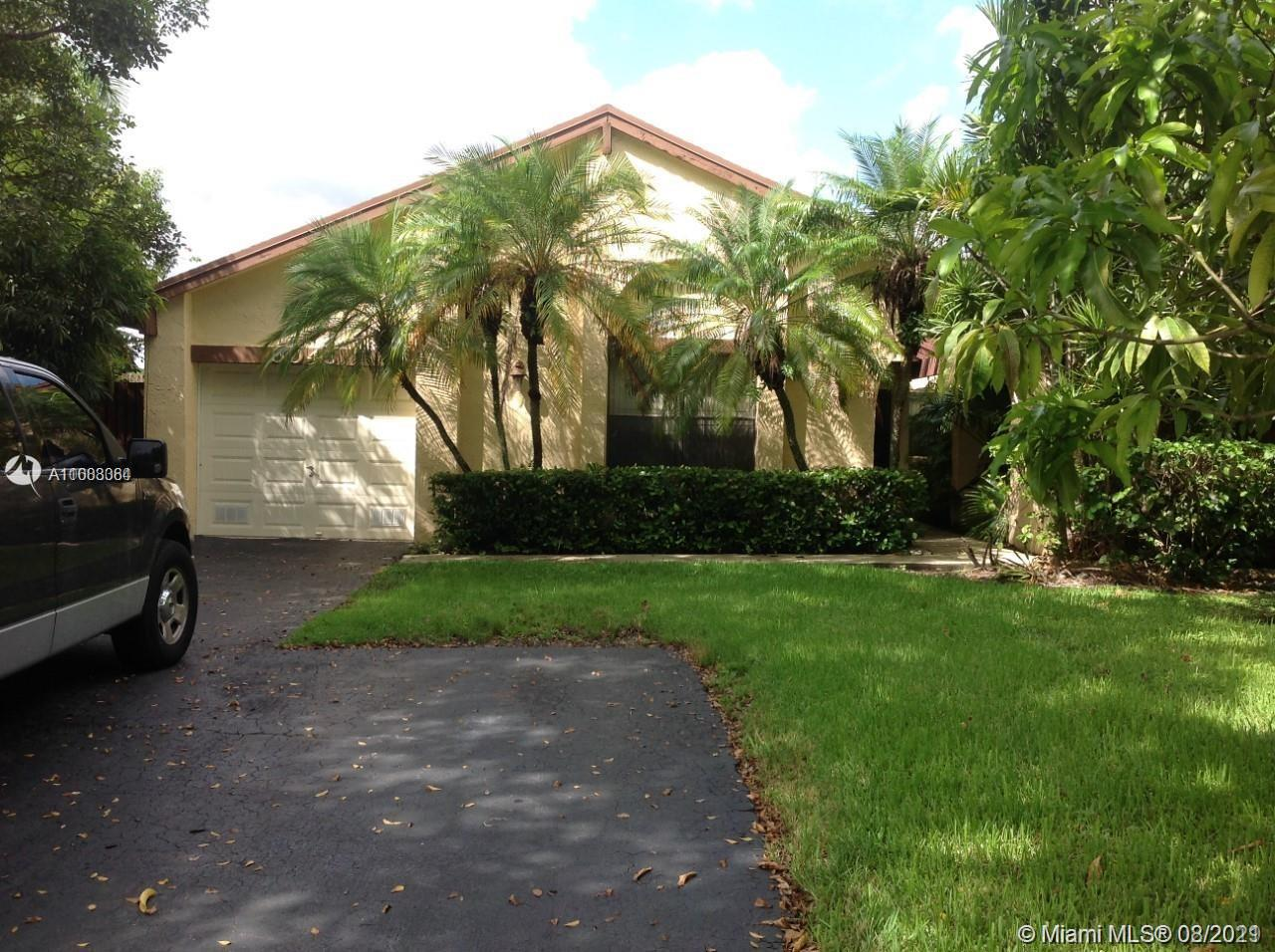 Lakes Of The Meadow - 5045 SW 148th Place, Miami, FL 33185