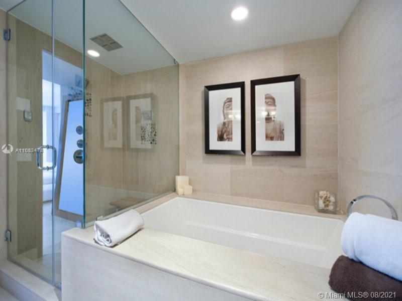 5875 Collins Ave #1008 photo013