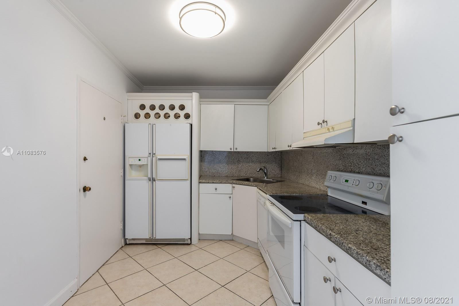 5601 Collins Ave #1521 photo014