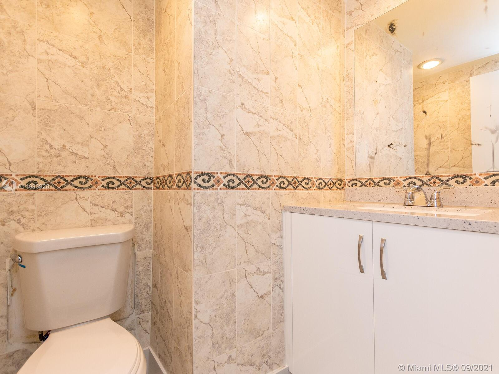 10185 Collins Ave #1412 photo013