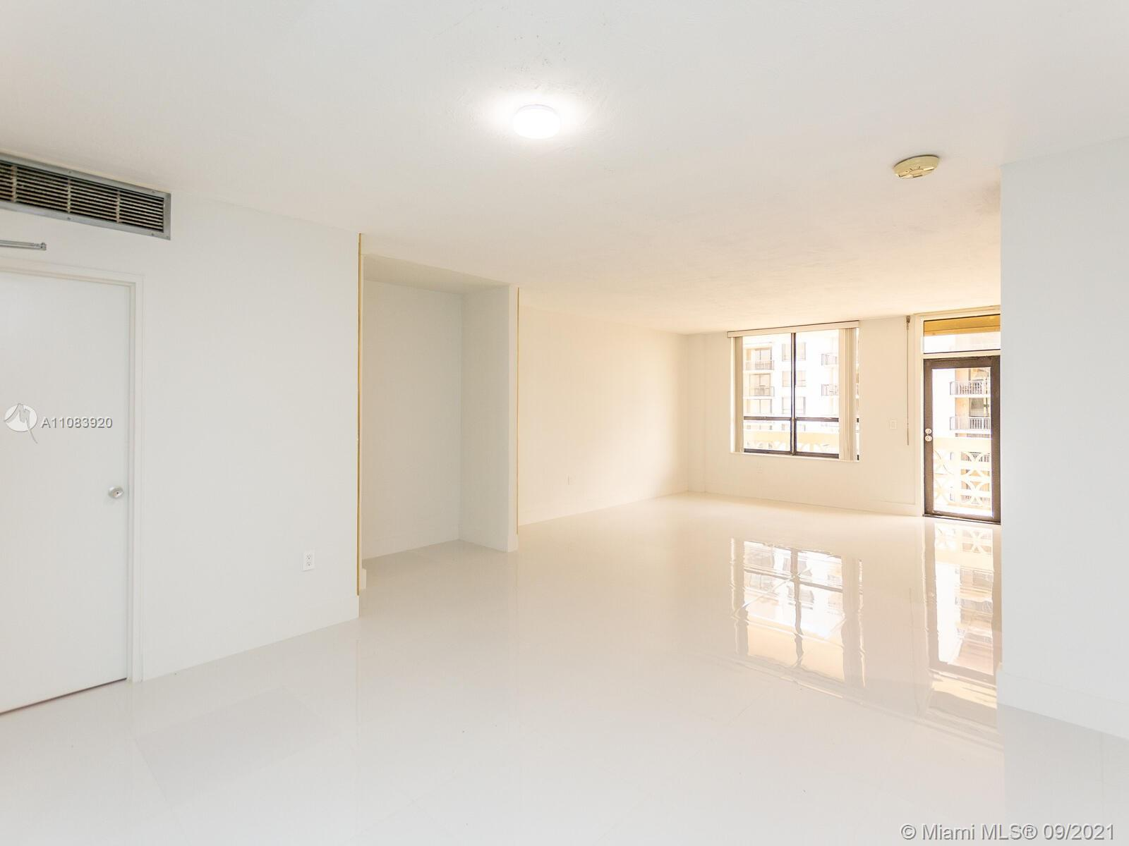 10185 Collins Ave #1412 photo05