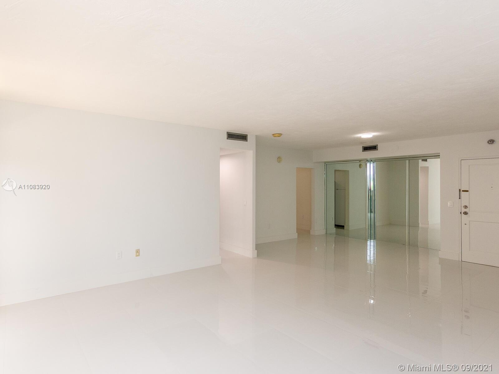 10185 Collins Ave #1412 photo04
