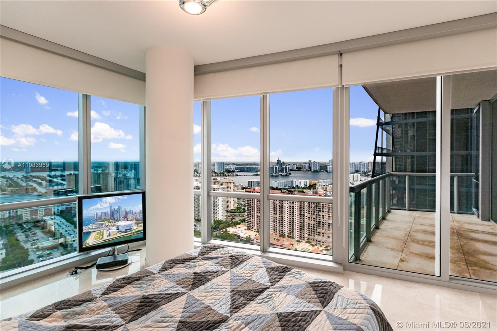 17121 Collins Ave #3608 photo017