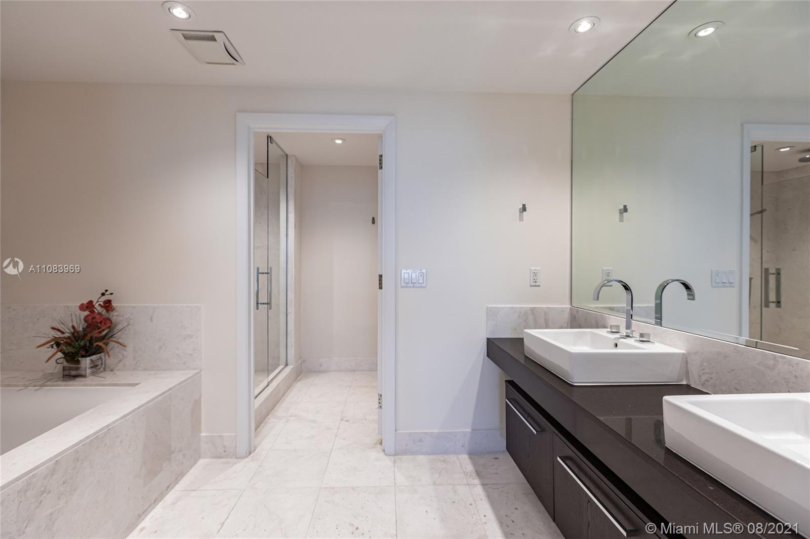 17121 Collins Ave #3608 photo08