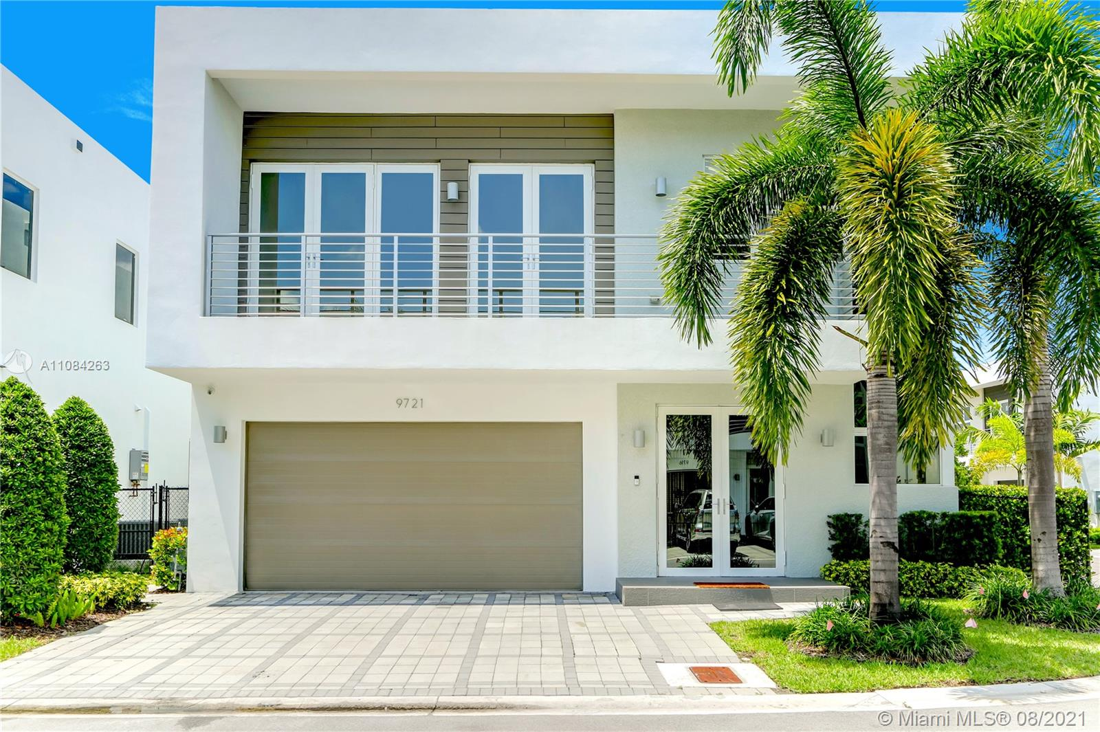 Doral Commons Residential - 9721 NW 74th Ter, Doral, FL 33178