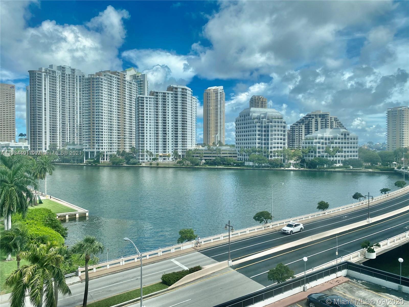 Courts Brickell Key #661 - 801 Brickell Bay Dr #661, Miami, FL 33131