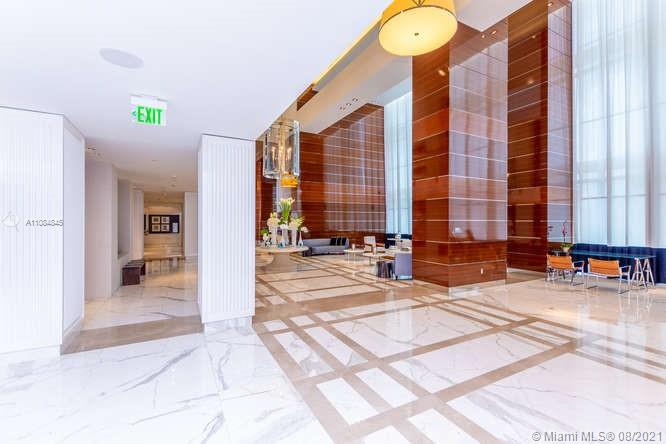 17475 Collins Ave #1503 photo04