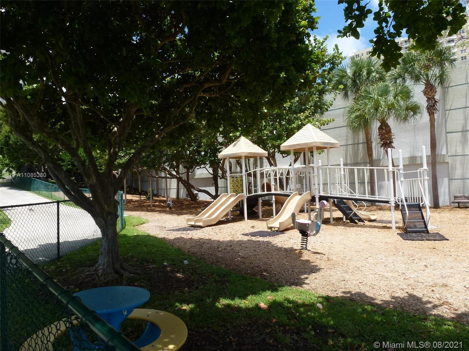 800 Claughton Island Dr #1702 photo051