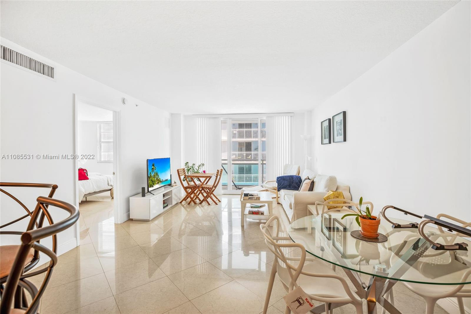 6917 Collins Ave #508 photo02