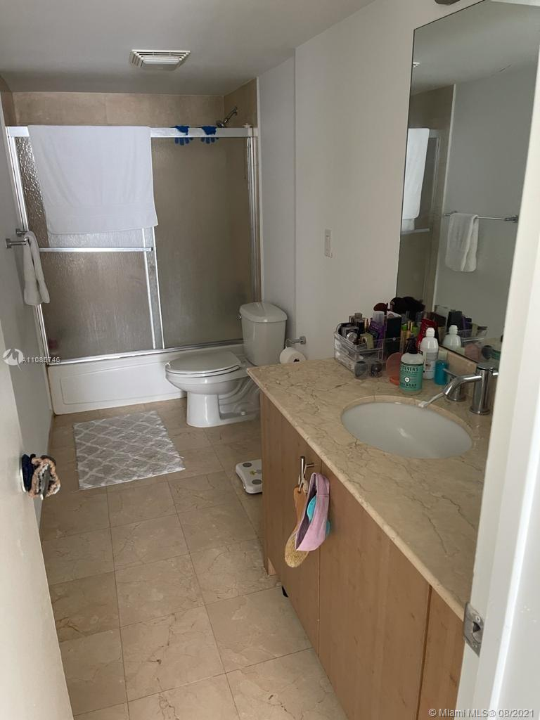 10275 Collins Ave #915 photo04