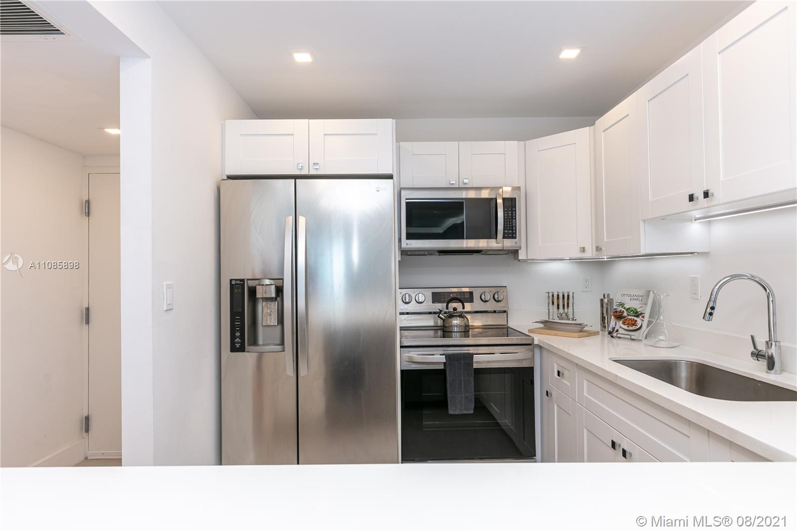 2301 Collins Ave #614 photo020