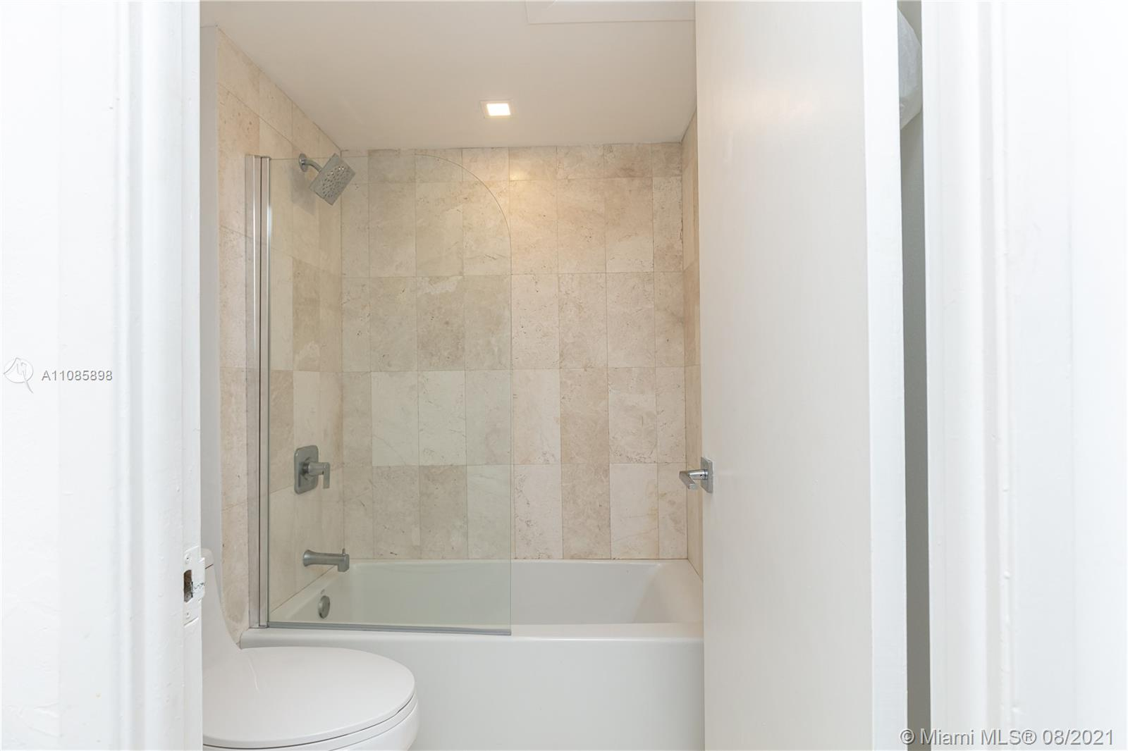2301 Collins Ave #614 photo021