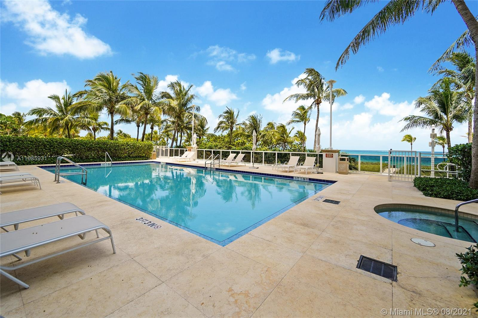 10225 Collins Ave #703 photo026