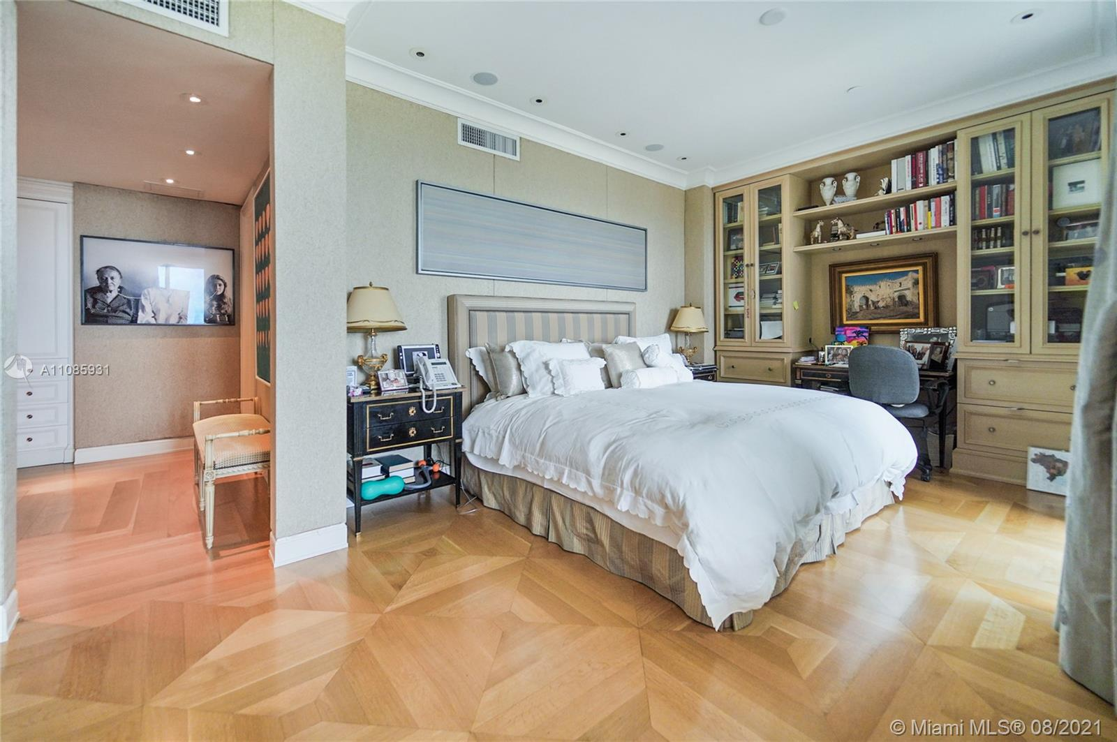 10225 Collins Ave #703 photo022
