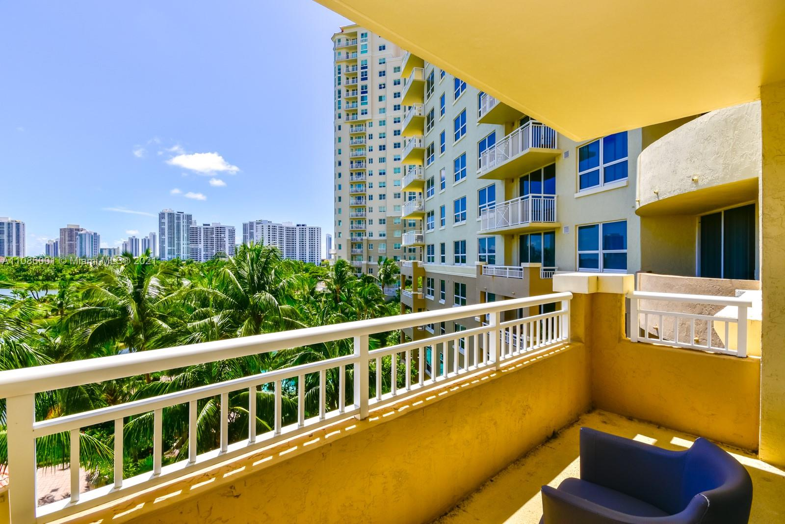 Turnberry on the Green #515 - 19501 W Country Club Dr #515, Aventura, FL 33180