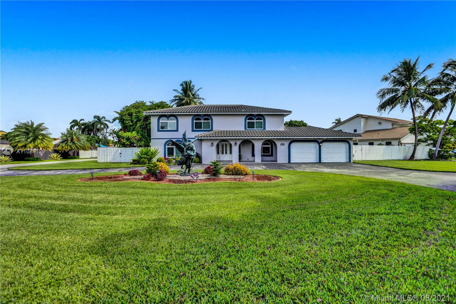 Country Club Of Miam - 7515 N Oakmont Dr, Hialeah, FL 33015