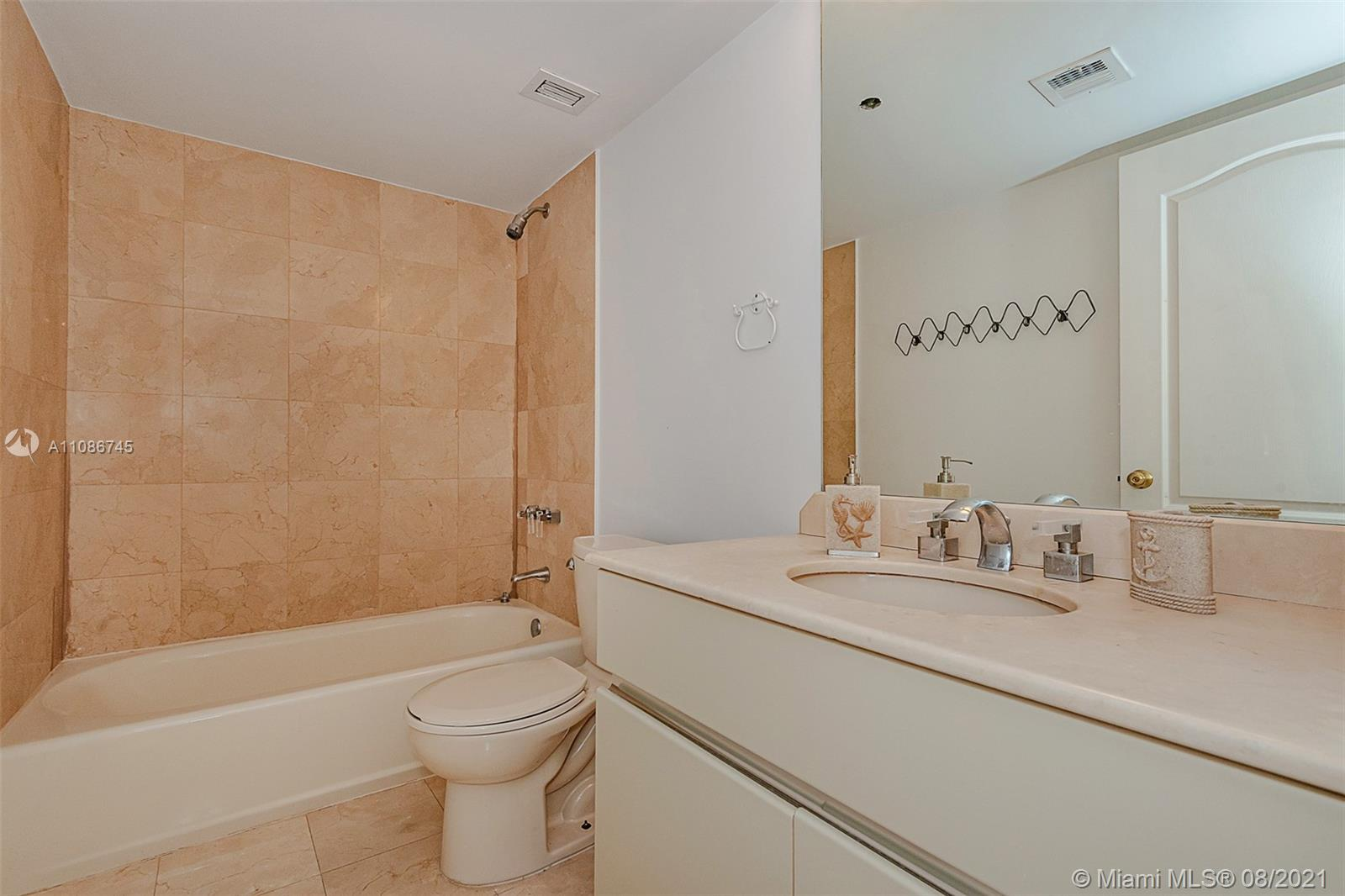 5757 Collins Ave #1002 photo022