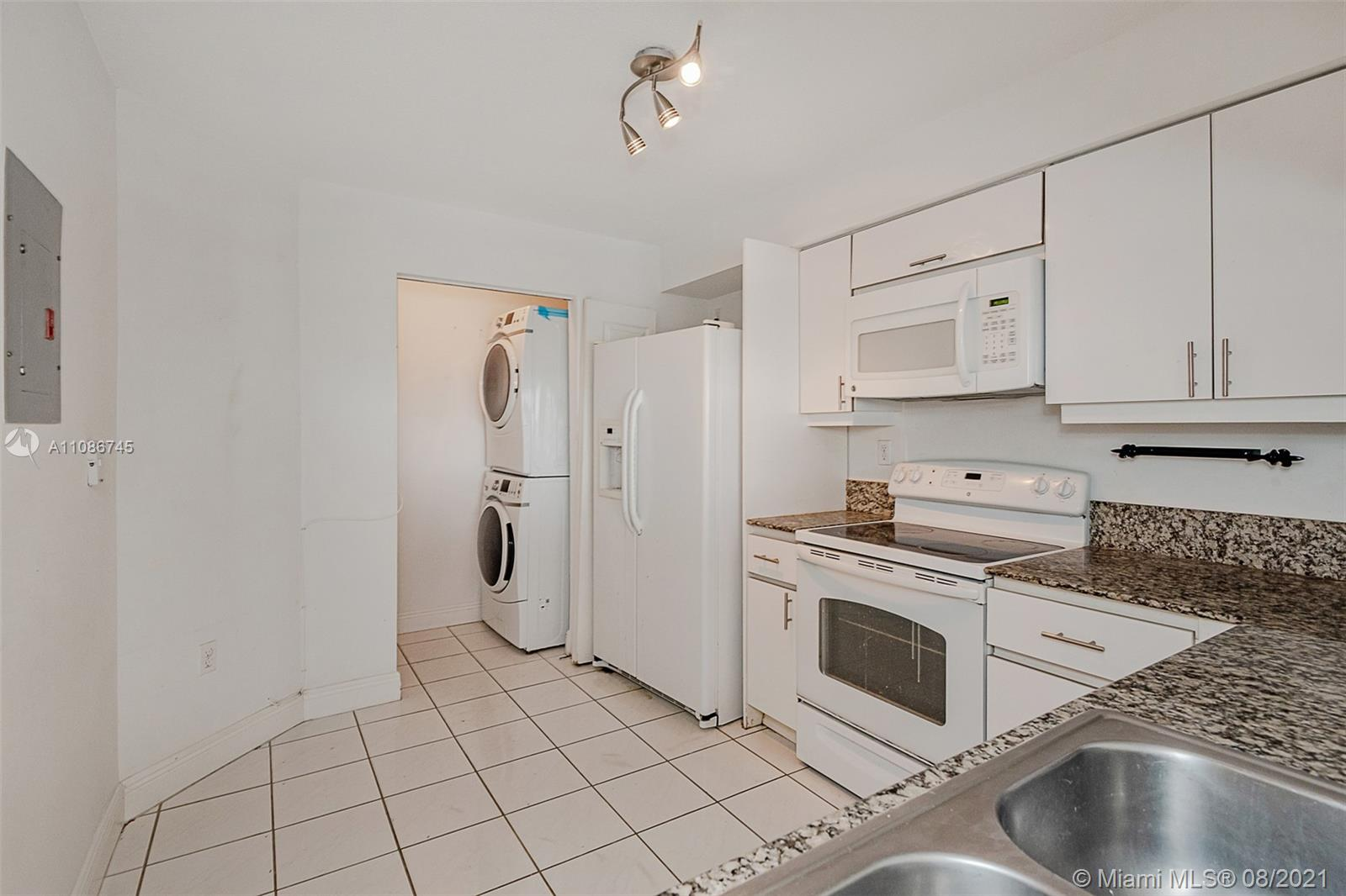 5757 Collins Ave #1002 photo011