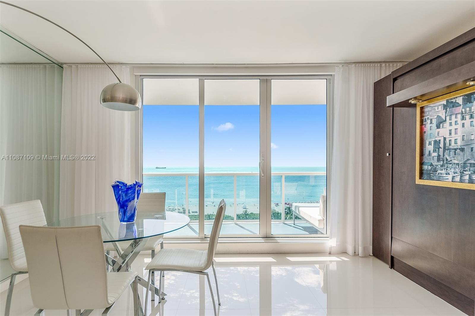 Roney Palace #1139 - 2301 Collins Ave #1139, Miami Beach, FL 33139