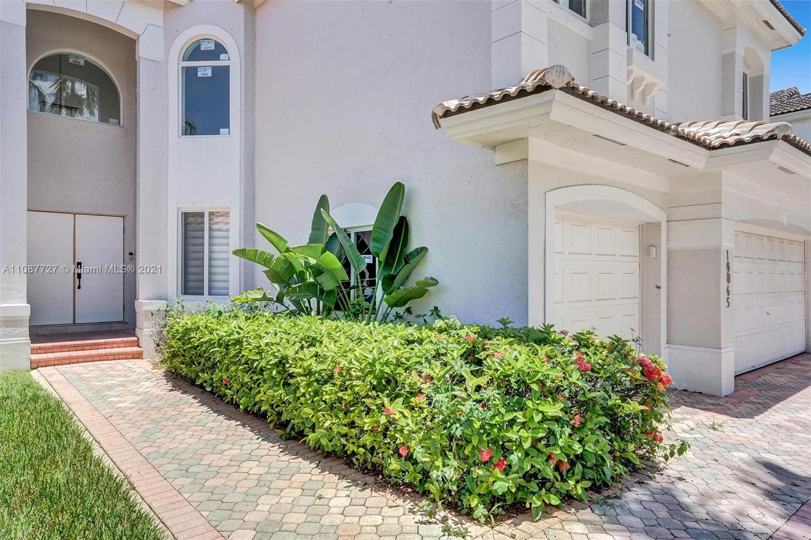 Doral Isles St Croix - 10865 NW 73rd Ter, Doral, FL 33178