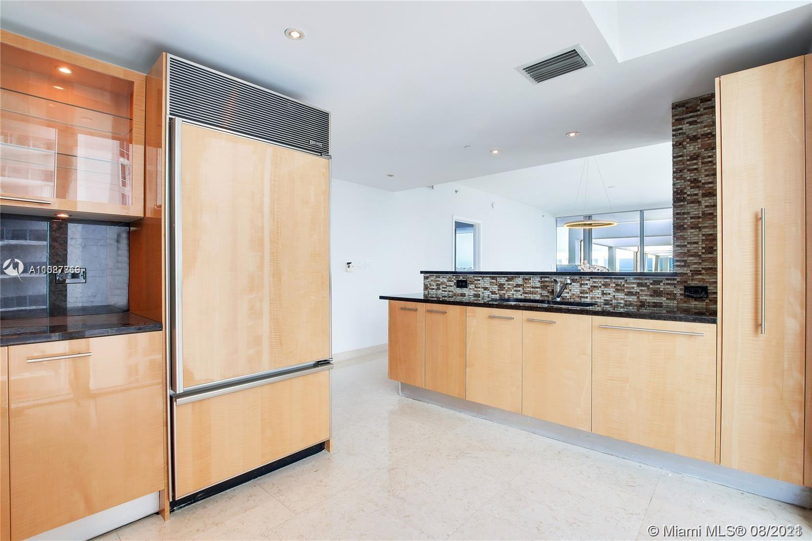 6799 Collins Ave #605 photo010