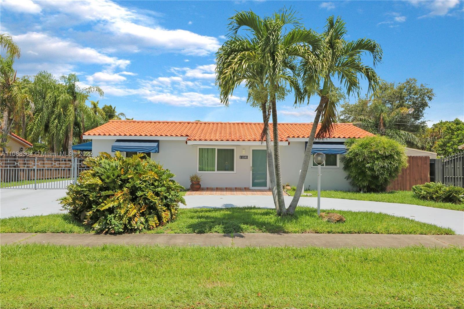 Snapper Creek - 11101 N Snapper Creek Dr, Miami, FL 33173