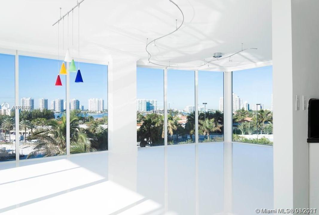 18671 Collins Ave #603 photo02