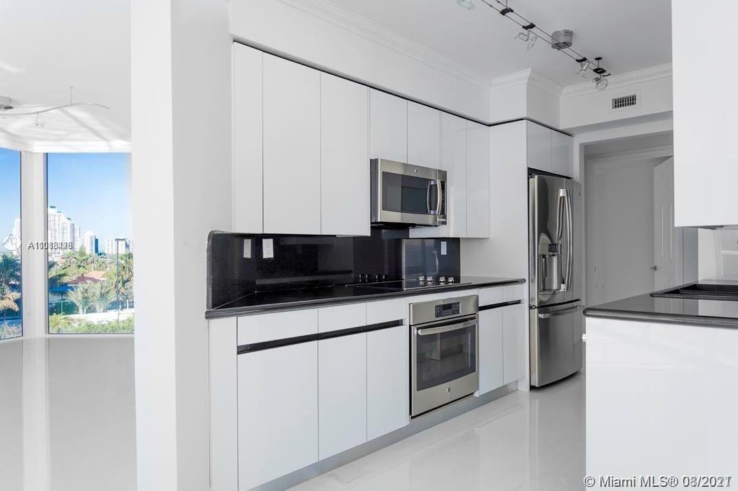 18671 Collins Ave #603 photo08