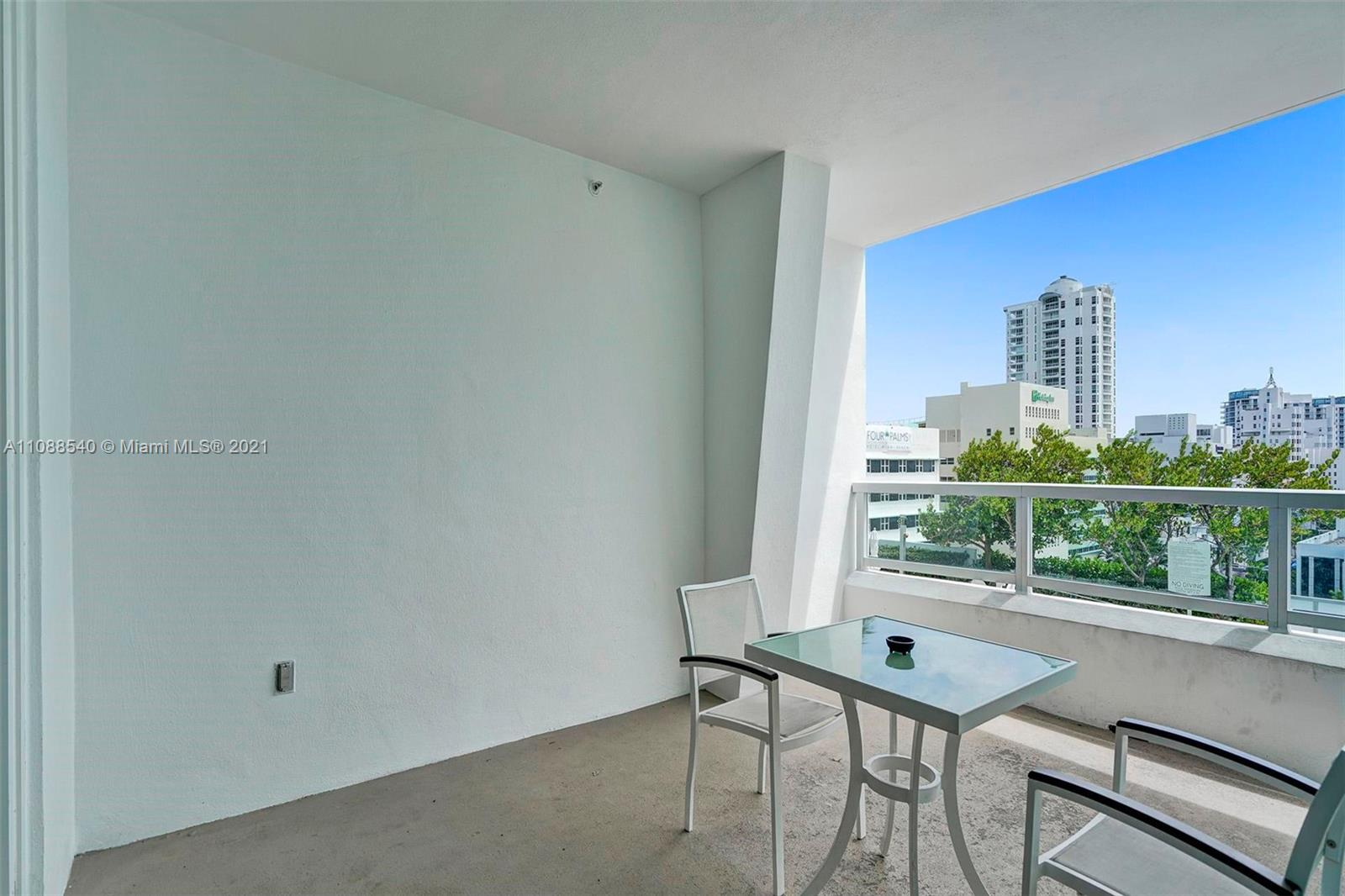 4401 Collins Ave #808 photo06