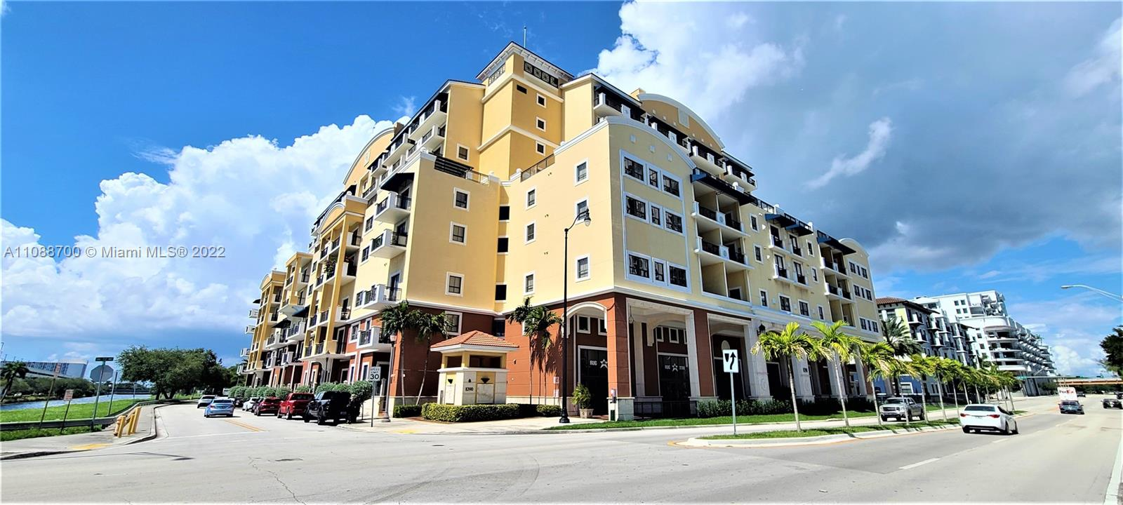 Colonnade At Dadeland SE Condo - undisclsoed 72nd Ave, Miami, FL 33143