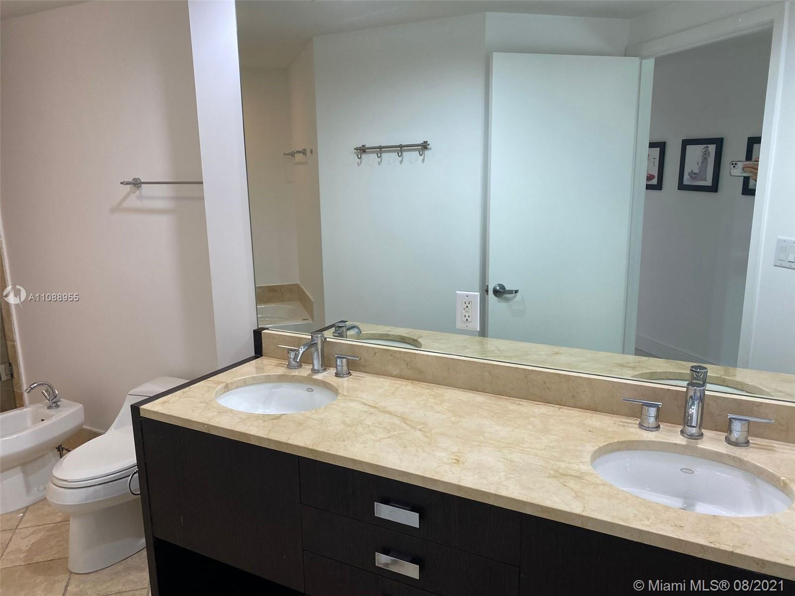 18201 Collins Ave #501A photo05