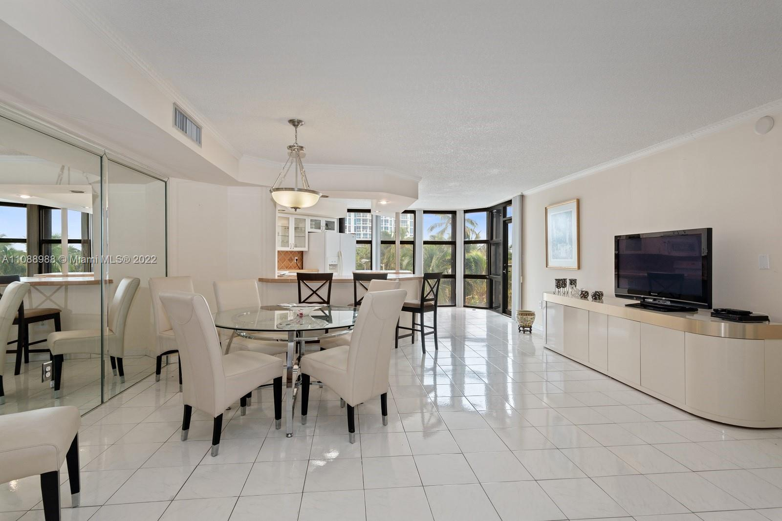 6423 Collins Ave #308 photo06