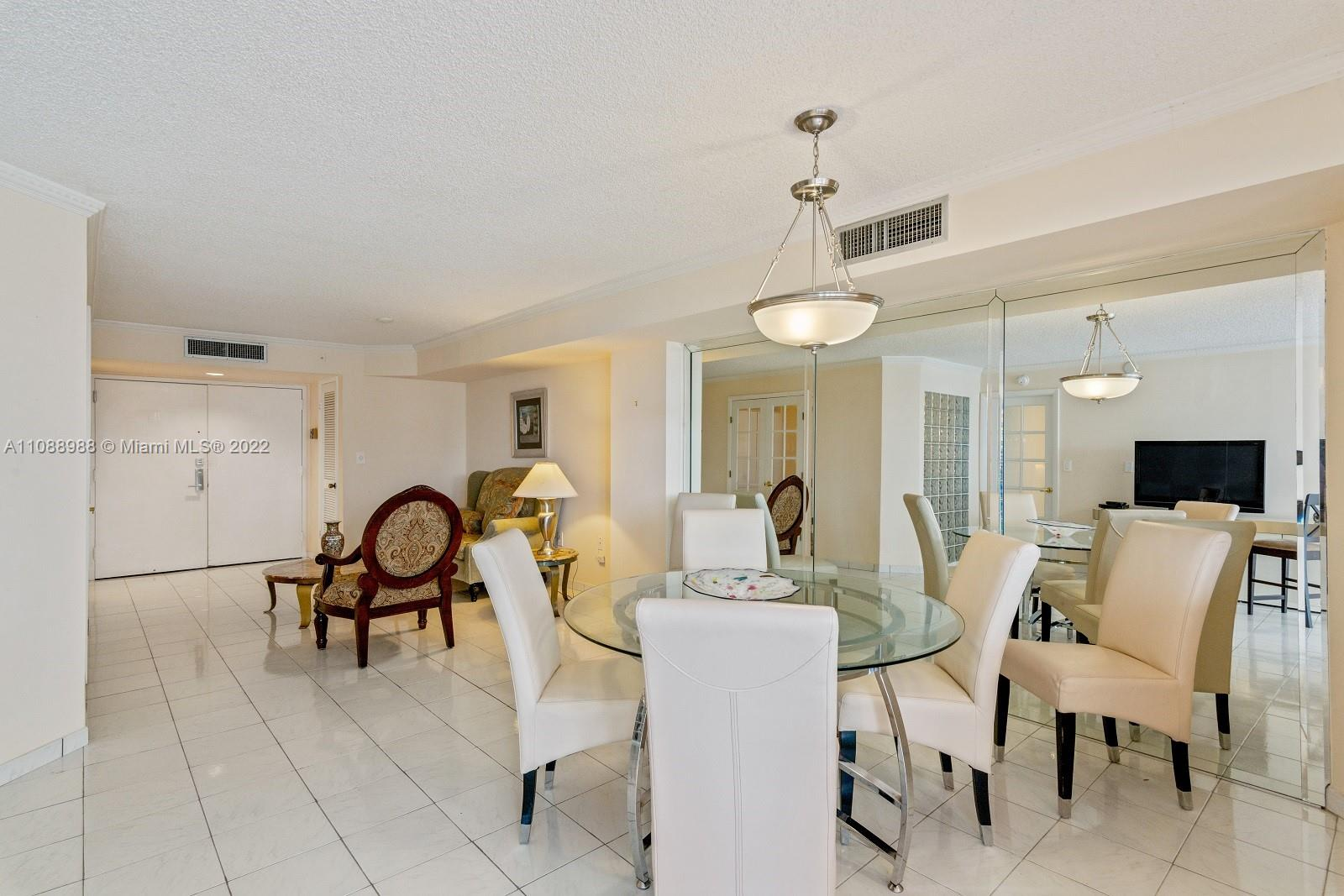 6423 Collins Ave #308 photo05