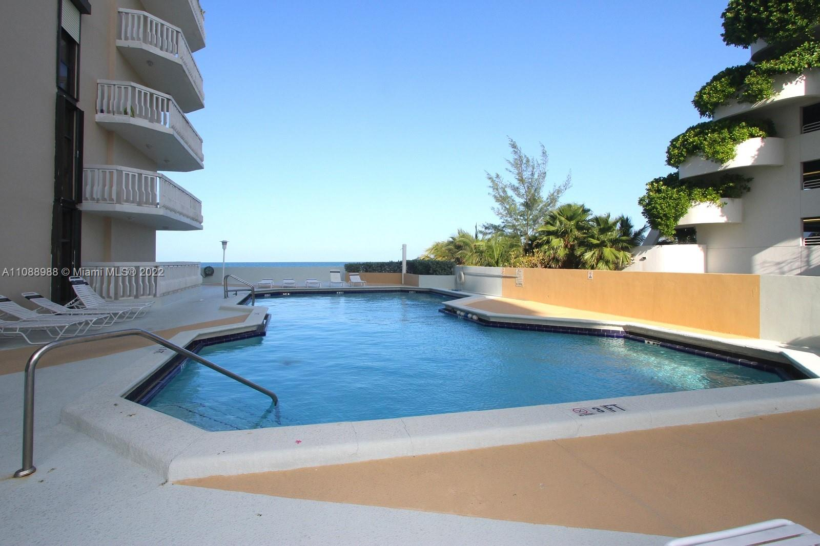 6423 Collins Ave #308 photo015