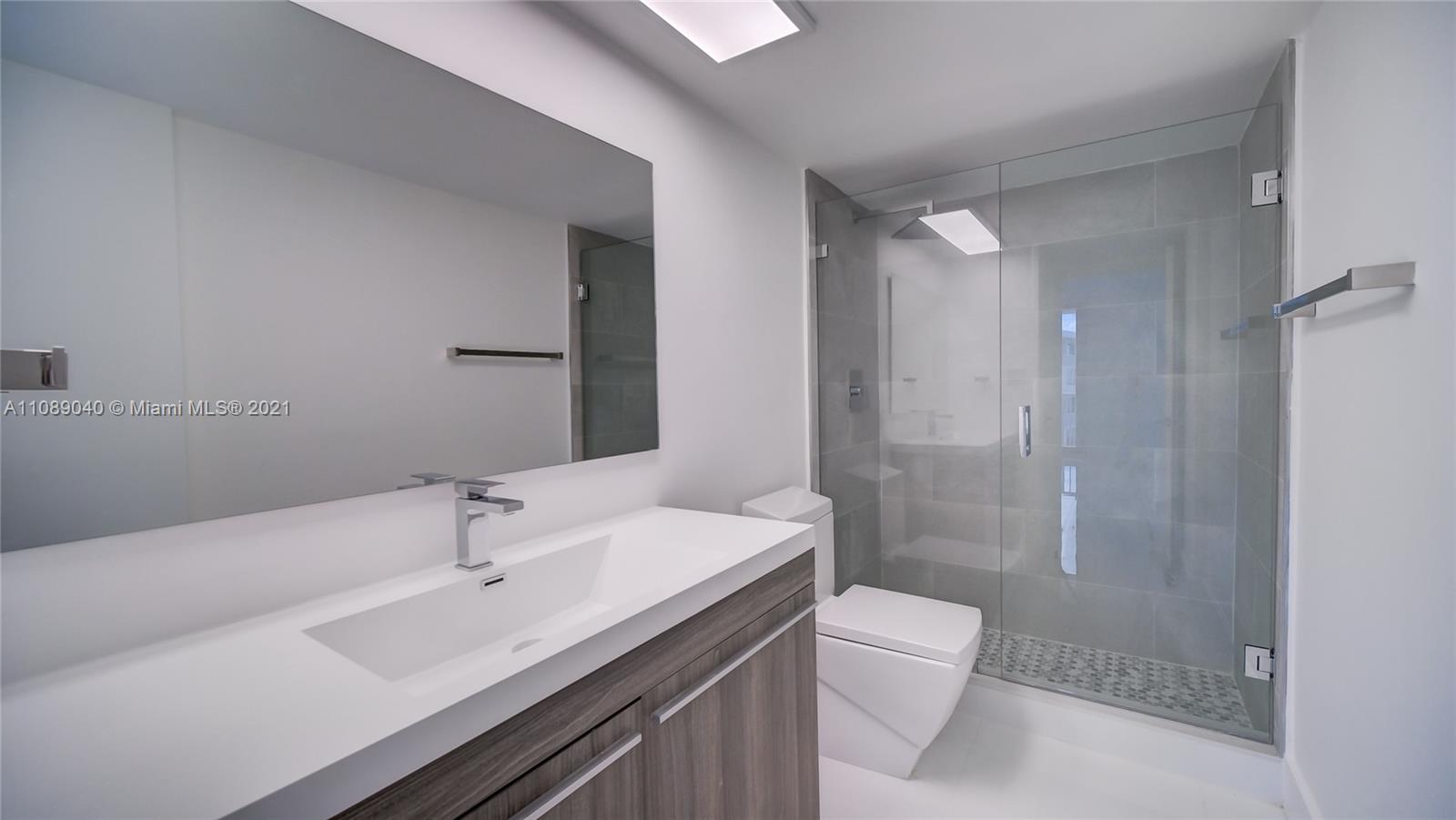 5401 Collins Ave #330 photo027