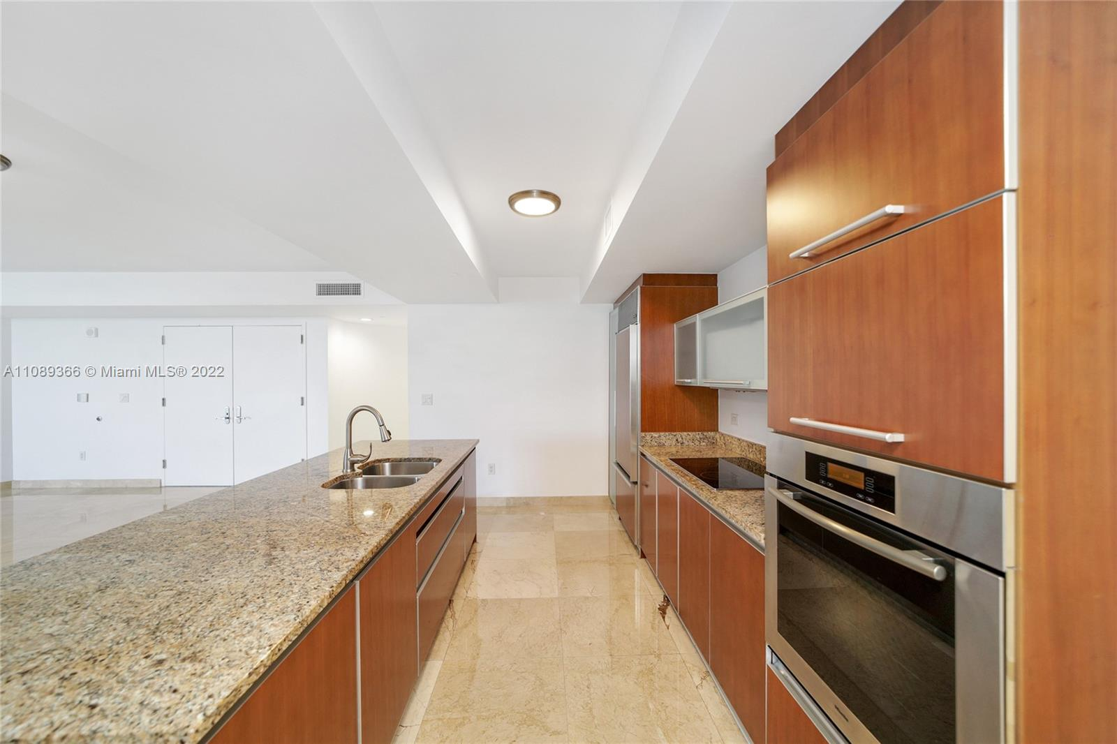 17201 Collins Ave #1404 photo023