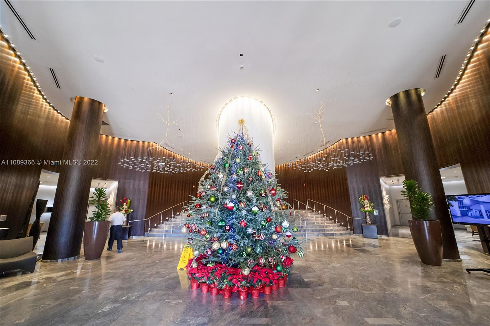 17201 Collins Ave #1404 photo06
