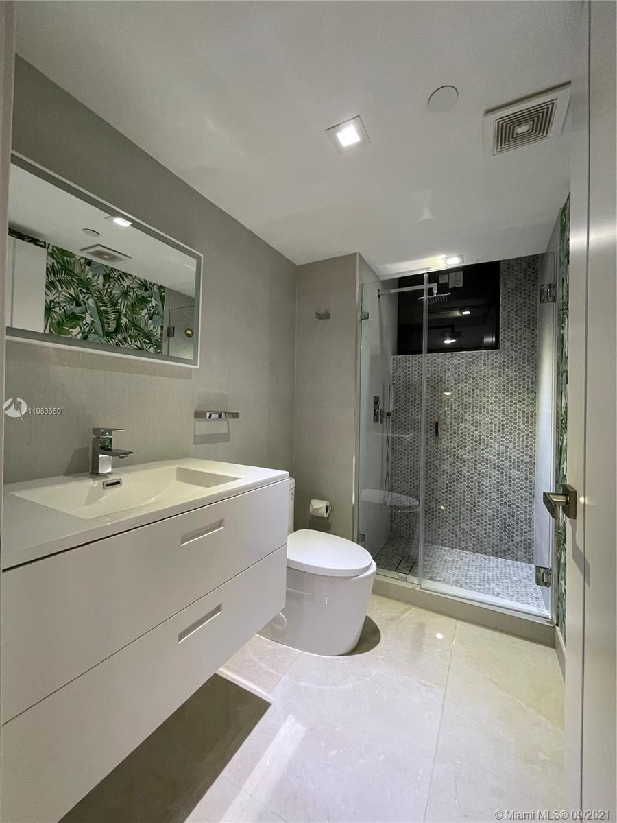 5757 Collins Ave #2301 photo022