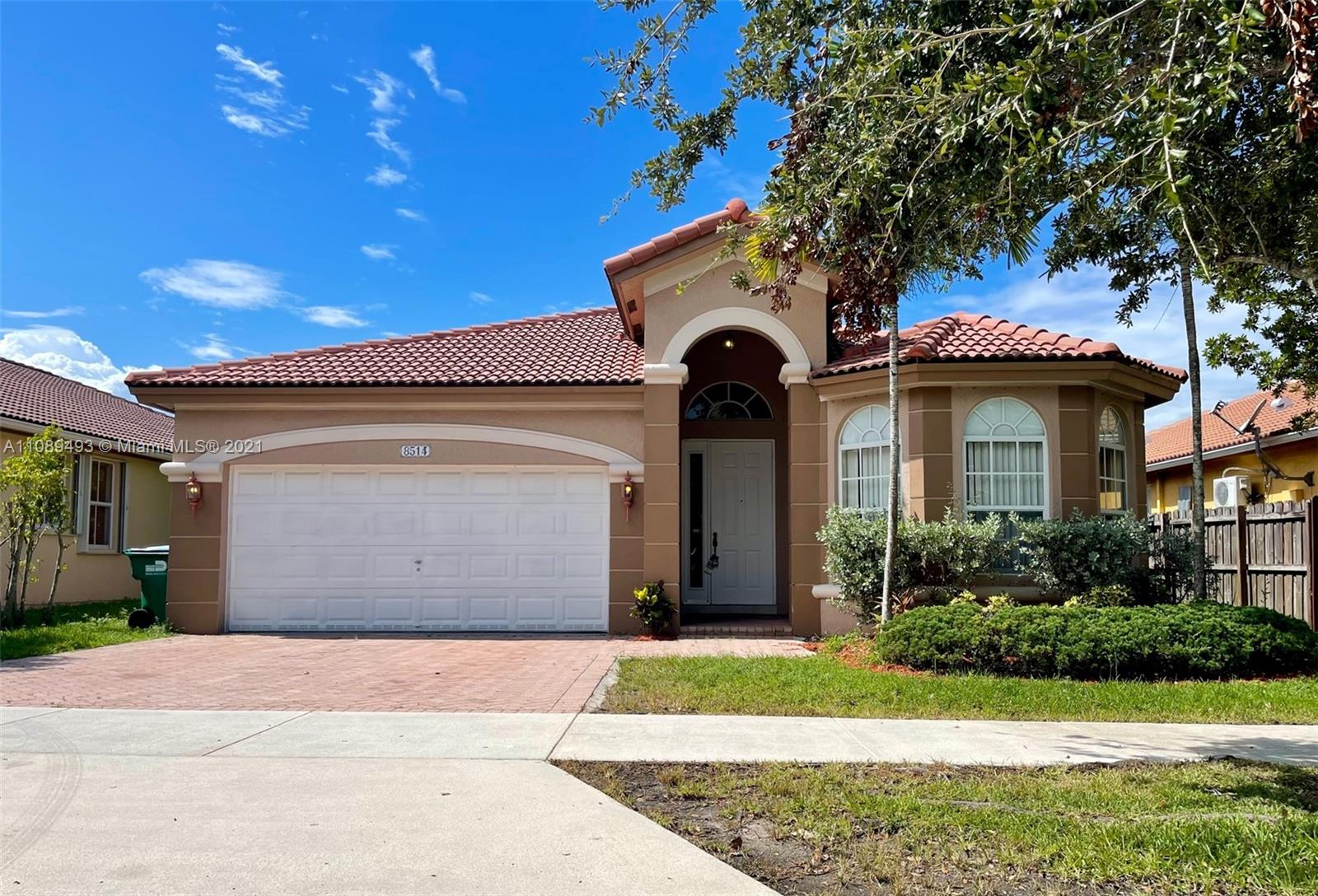 Islands At Doral #8514 - 8514 NW 111th Ct #8514, Doral, FL 33178