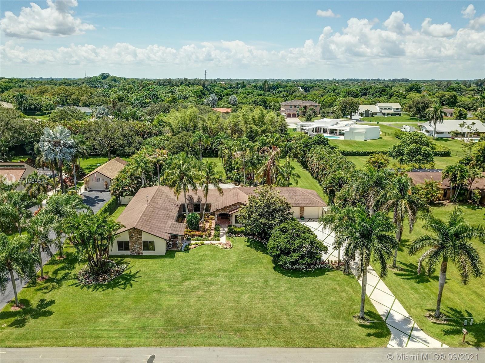 Majestic Groves - 3501 SW 116th Ave, Davie, FL 33330