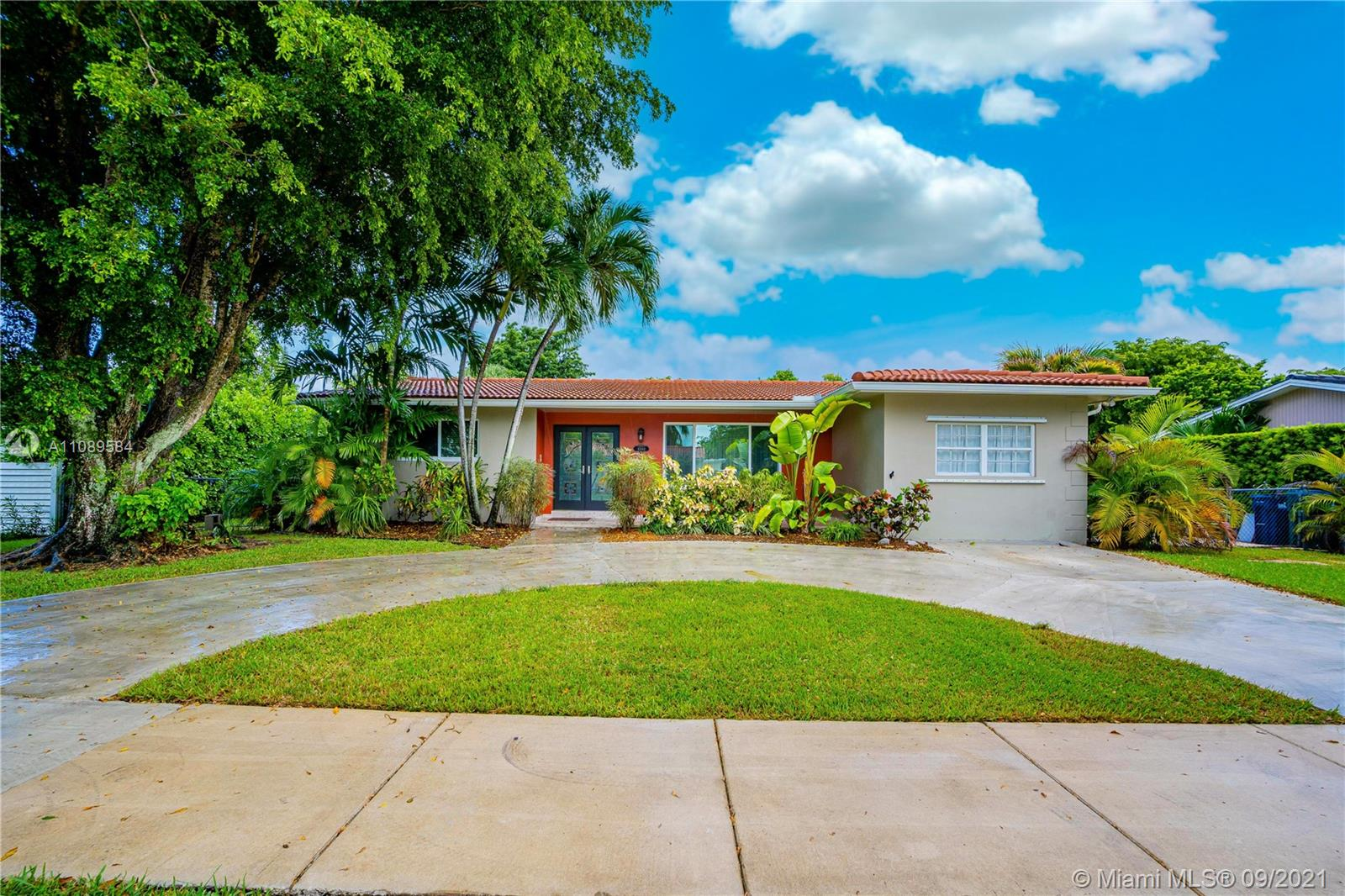Single Family Home,For Sale,6540 SW 48th St, South Miami, Florida 33155,Brickell,realty,broker,condos near me