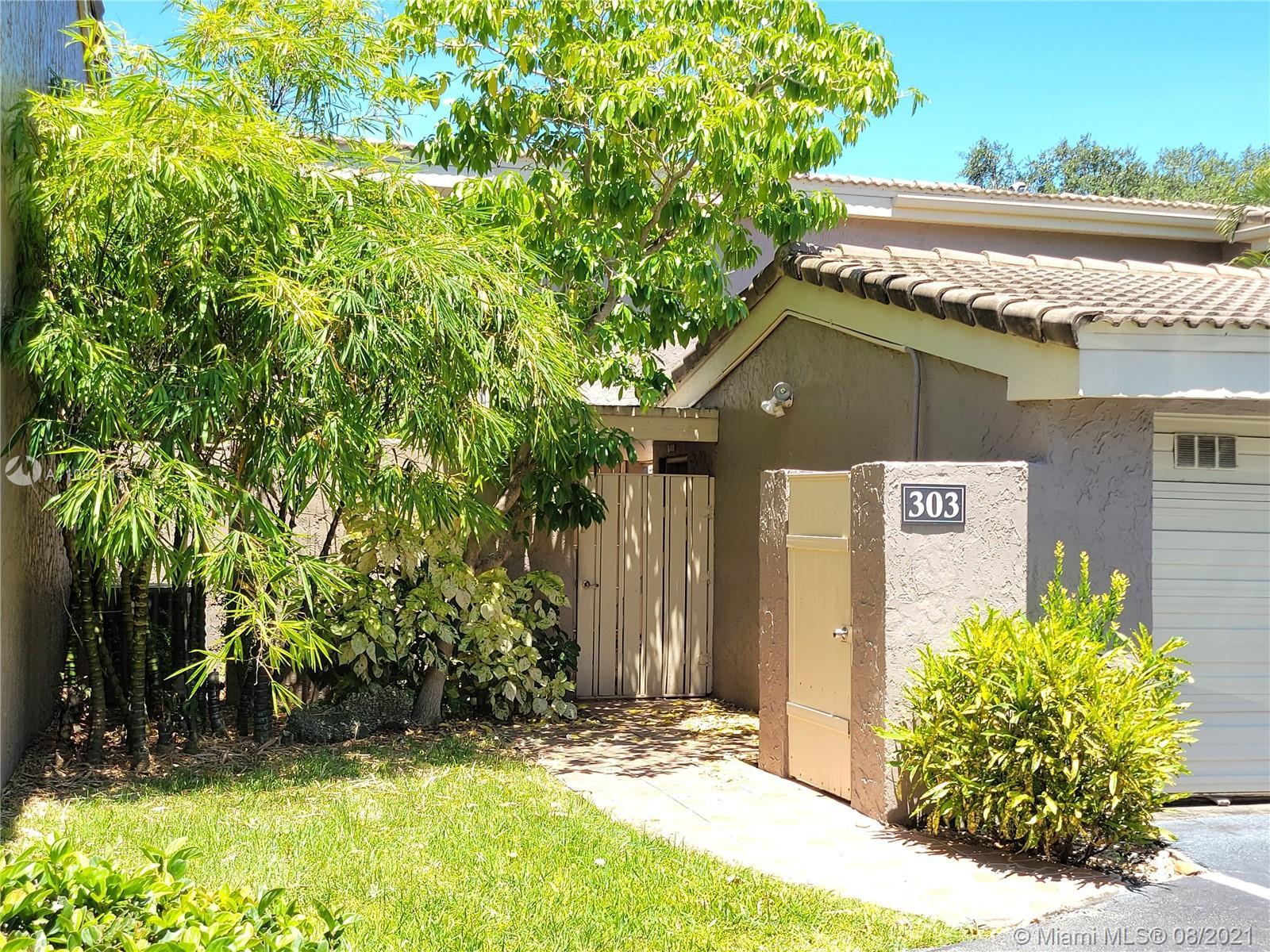 Emerald Hills #44 - 303 Dunwoody Ln #44, Hollywood, FL 33021